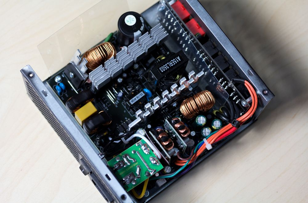 基于CP212X的TFT模组电源解决方案
