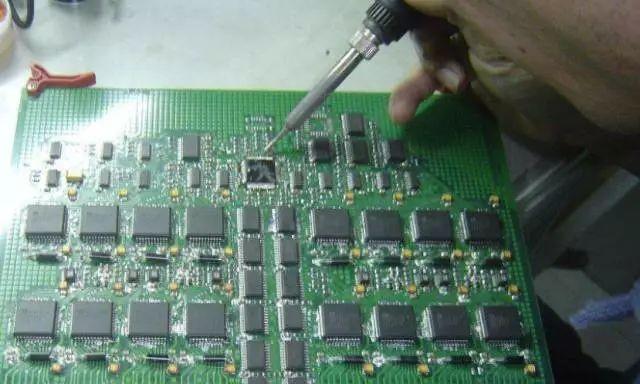 维修电路板技术的七大要点