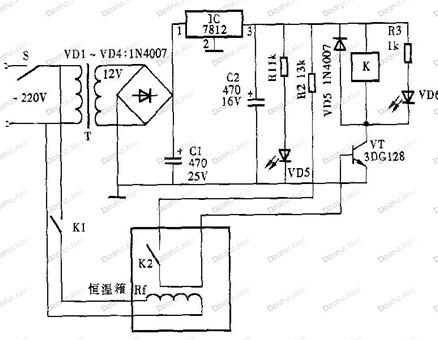 一款自动调节的温度控制器电路