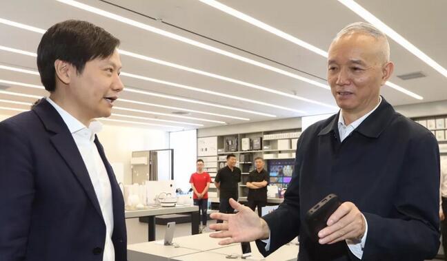 蔡奇走访小米联想:让企业心无旁骛谋发展