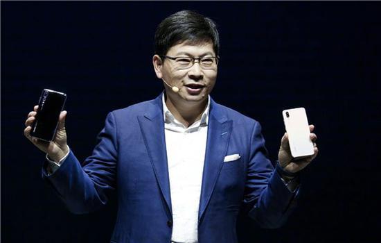 余承东年期限将至 华为手机还能超越苹果三星吗?