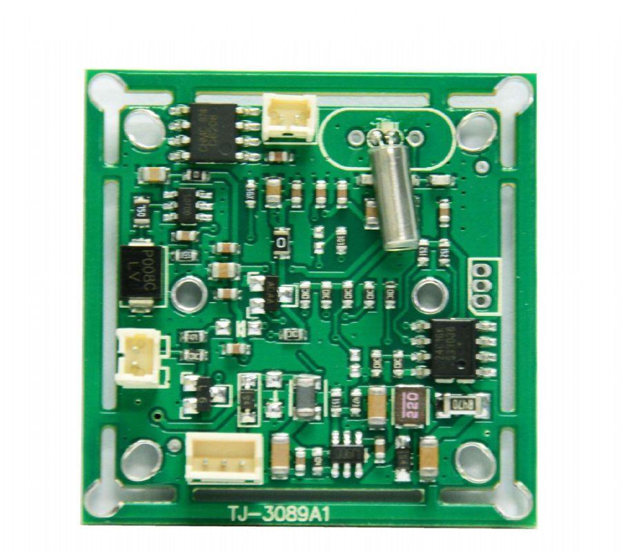 可扩展至 250A 的 50A µModule 稳压器 将电感器裸露充当散热器以实现低温运行