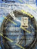 XS8-S17NA140C施耐德接近开关