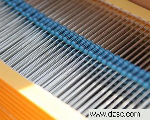 高精度金属膜电阻    低温漂  环保型
